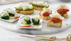 Canapé with salted cod